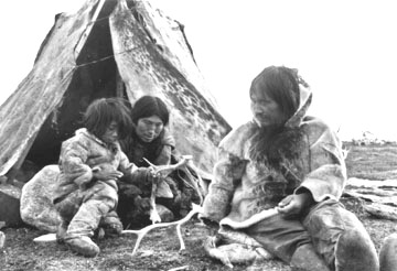 The arctic people family social structure leadership for Alaskan cuisine history