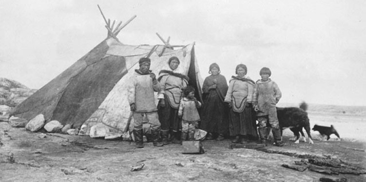 Inuit Indians Homes http://firstpeoplesofcanada.com/fp_groups/fp_inuit6.html